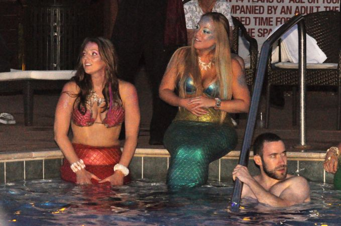 Mermaid Convention Photography #289<br>3,218 x 2,134<br>Published 1 year ago